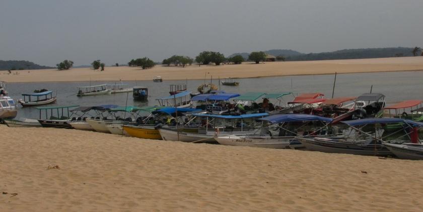 Alter do Chao boats