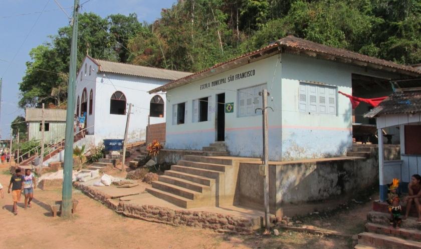 Boca da Valeria church and school