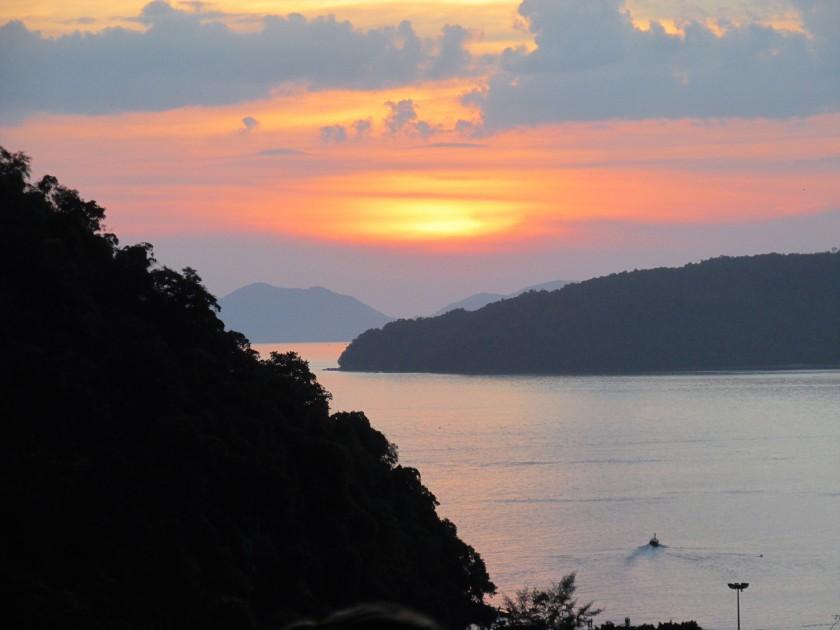 boat-chasing-sunset